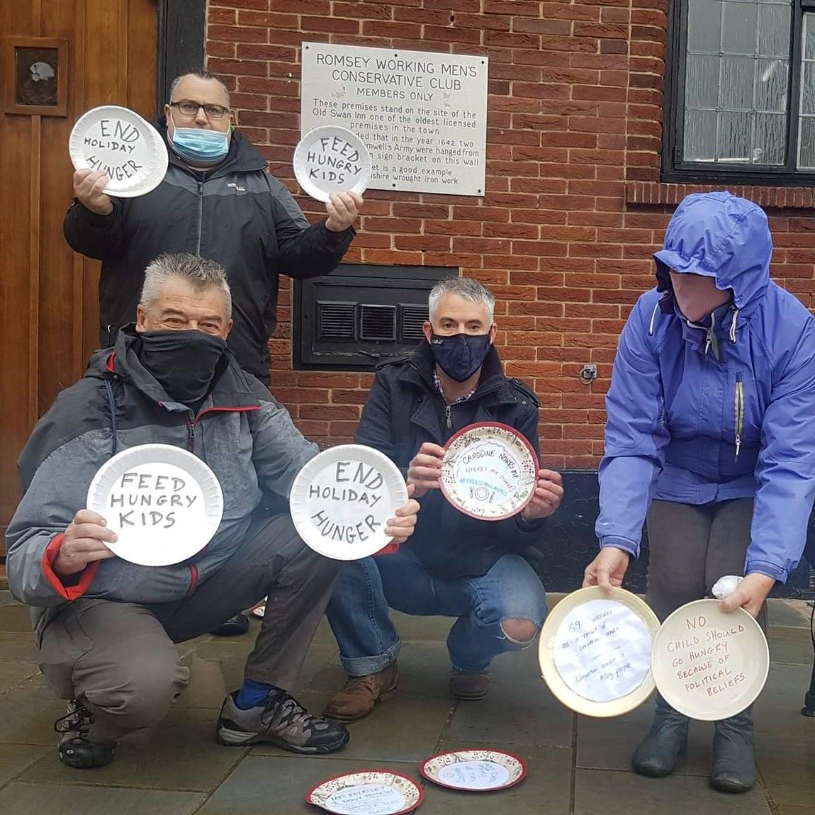 Protest to end 'child holiday hunger' at Romsey Tory MP's office
