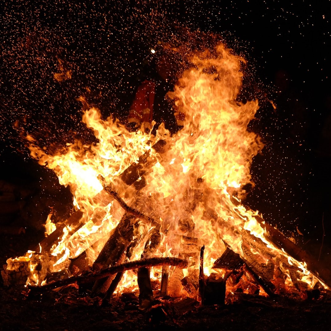 Residents urged to avoid bonfires to reduce air pollution